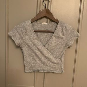 Grey cropped tee